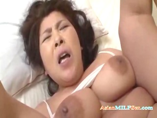 plump mother i getting her twat licked tits