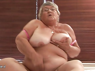 old dilettante granny masturbate on web camera