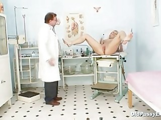 aged romana has old cunt gyno speculum examined